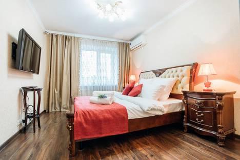 Сдается 3-комнатная квартира посуточно в Калуге, ул. Фридриха Энгельса, д. 91.
