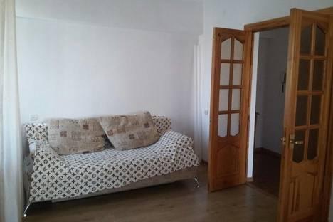 Сдается 2-комнатная квартира посуточнов Сочи, ул. Роз, 31.