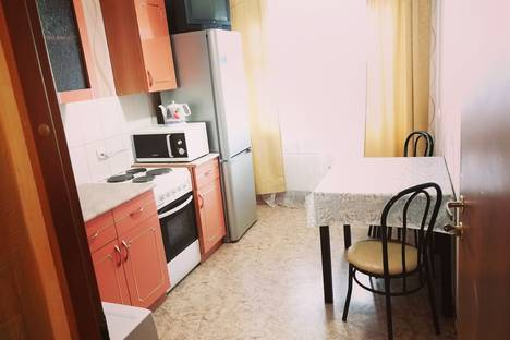 Сдается 1-комнатная квартира посуточно в Ханты-Мансийске, ул. Мира дом 61.