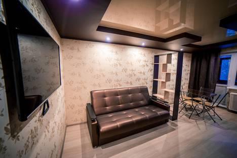 Сдается 1-комнатная квартира посуточно в Киришах, Молодежная 18.