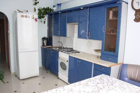 Сдается 3-комнатная квартира посуточнов Гагре, Улица Лакоба 7А.
