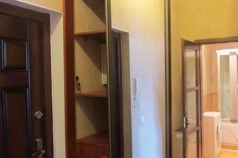 Сдается 1-комнатная квартира посуточнов Усолье-Сибирском, Толбухина,46.
