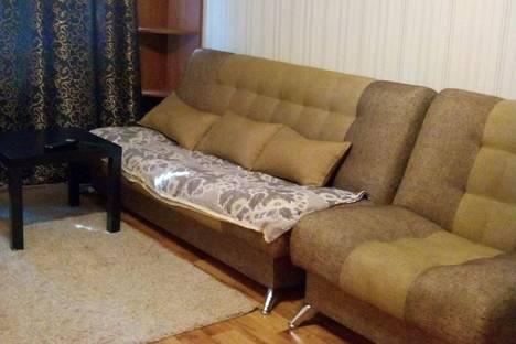 Сдается 1-комнатная квартира посуточнов Серове, Льва Толстого 25.