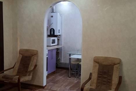 Сдается 2-комнатная квартира посуточно в Евпатории, Колхозный переулок, 8.