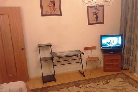 Сдается 1-комнатная квартира посуточно в Салехарде, ул. Республики, 78.