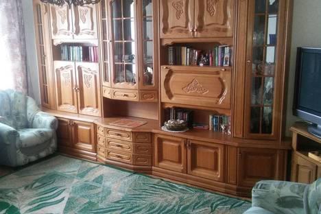 Сдается 2-комнатная квартира посуточно в Когалыме, ул. Ленинградская, 4.