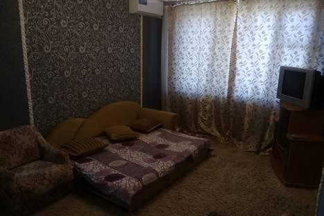 Сдается 2-комнатная квартира посуточно в Керчи, Ворошилова 45.