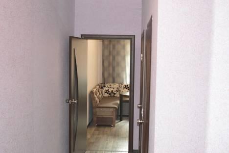 Сдается 1-комнатная квартира посуточнов Санкт-Петербурге, ул.Орджоникидзе 52а.