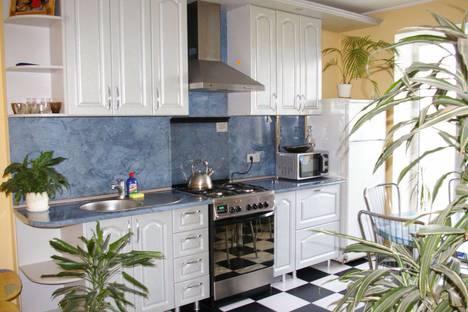 Сдается 3-комнатная квартира посуточно в Пинске, проспект  Жолтовского  11.