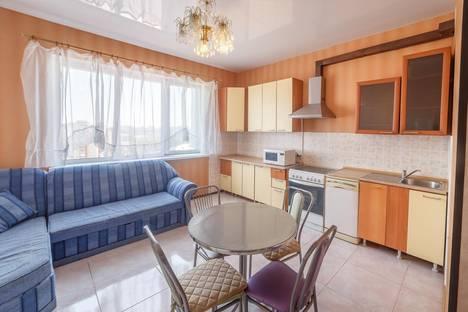 Сдается 2-комнатная квартира посуточно в Казани, Павлюхина,110в.
