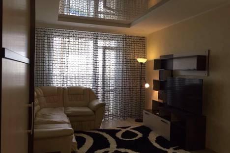 Сдается 2-комнатная квартира посуточно в Ханты-Мансийске, ул. Строителей, 104.