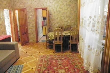 Сдается коттедж посуточно в Таганроге, ул. Шевченко, 35.