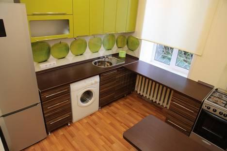 Сдается 2-комнатная квартира посуточно в Ижевске, ул. Ломоносова, 20.