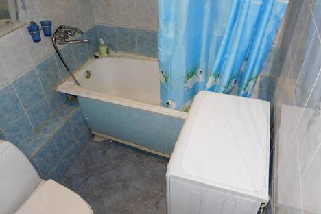 Сдается 1-комнатная квартира посуточнов Екатеринбурге, Старых Большевиков 6.