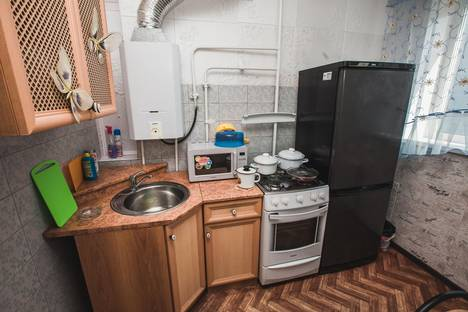 Сдается 2-комнатная квартира посуточнов Кургане, ул. Перова, д. 12.