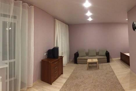Сдается 1-комнатная квартира посуточнов Омске, ул. Крупской, 14 корпус 3.