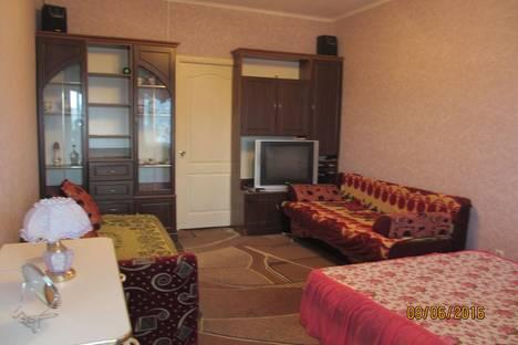 Сдается 1-комнатная квартира посуточно в Алуште, Октябрьская 7/5.