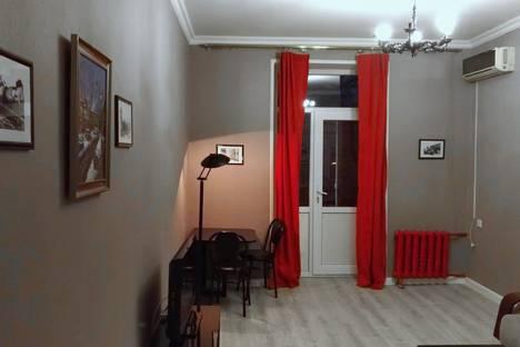 Сдается 2-комнатная квартира посуточно в Баку, 103 Nizami Street.