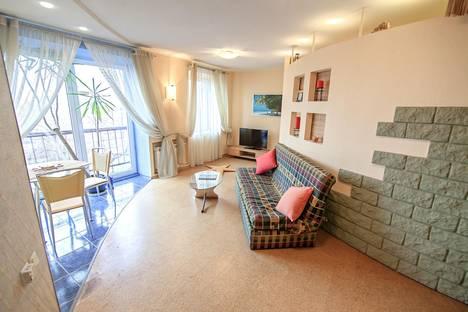 Сдается 2-комнатная квартира посуточнов Петрозаводске, улица Пушкинская, 15.