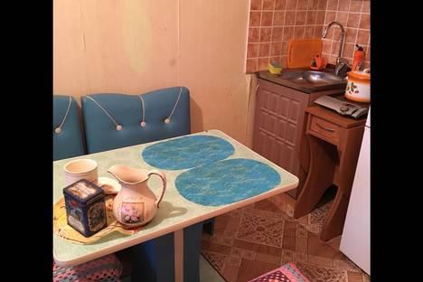 Сдается 1-комнатная квартира посуточнов Ангарске, микрорайон Березовый, 72.