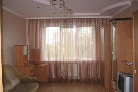 Сдается 3-комнатная квартира посуточно, Планерная,69.
