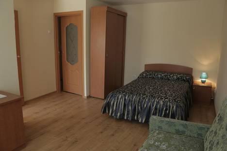 Сдается 1-комнатная квартира посуточнов Екатеринбурге, 8 Марта 146.