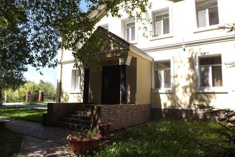 Сдается коттедж посуточнов Омске, подгородка петра косенкова 4.