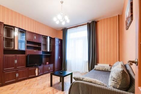 Сдается 1-комнатная квартира посуточнов Санкт-Петербурге, ул. Типанова, 16.