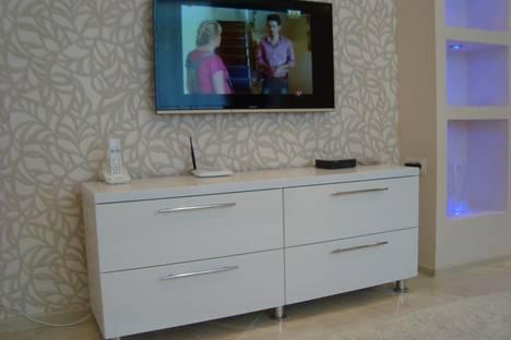 Сдается 2-комнатная квартира посуточнов Сочи, ул. Орджоникидзе, 26 б.