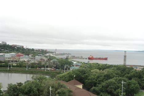 Сдается 1-комнатная квартира посуточново Владивостоке, проспект 100-летия Владивостока, 20.