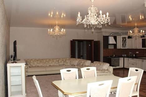 Сдается 2-комнатная квартира посуточнов Актобе, Санкибай Батыра, 253.