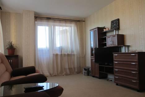 Сдается 1-комнатная квартира посуточнов Великом Новгороде, ул. Псковская, 11.