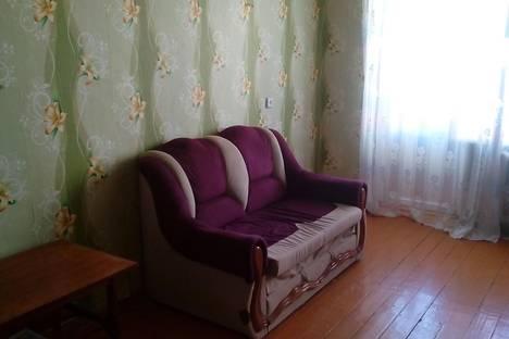Сдается 2-комнатная квартира посуточнов Сатке, Солнечная, 27.