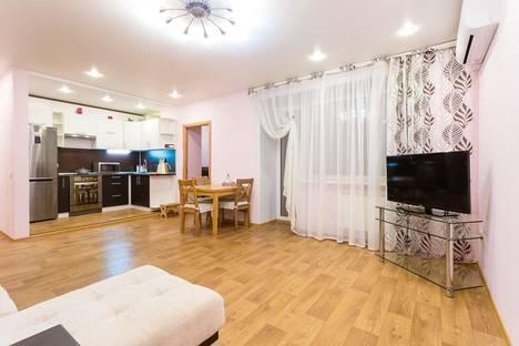 Сдается 2-комнатная квартира посуточно в Новосибирске, ул. Фрунзе, 63.