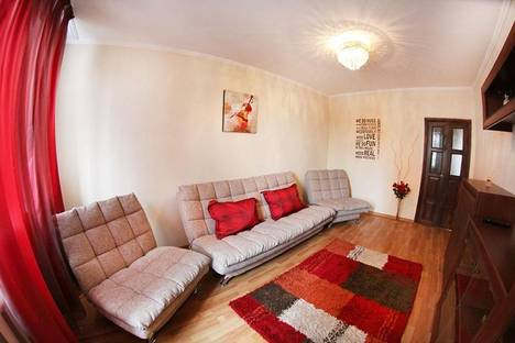 Сдается 2-комнатная квартира посуточно в Алматы, микрорайон Самал-1, 38.