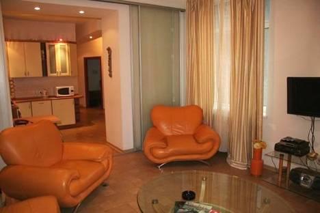 Сдается 3-комнатная квартира посуточно в Волгограде, пр. Ленина 15.