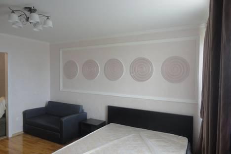 Сдается 1-комнатная квартира посуточнов Сочи, улица Роз 82.