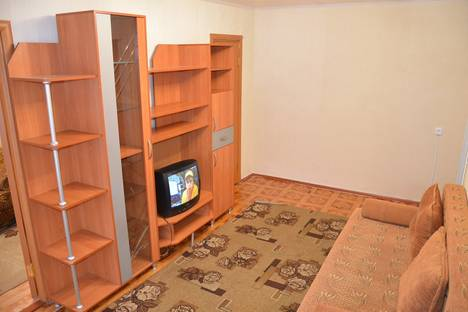 Сдается 2-комнатная квартира посуточнов Тюмени, мельникайте 95.