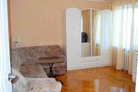 Сдается 1-комнатная квартира посуточнов Перми, Комсомольский проспект, д. 49.