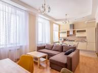 Сдается посуточно 4-комнатная квартира в Санкт-Петербурге. 100 м кв. Невский пр., 106