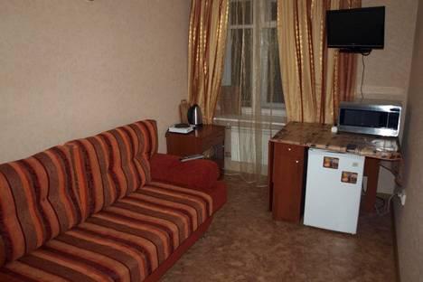 Сдается 1-комнатная квартира посуточнов Санкт-Петербурге, ул. Мира 25.