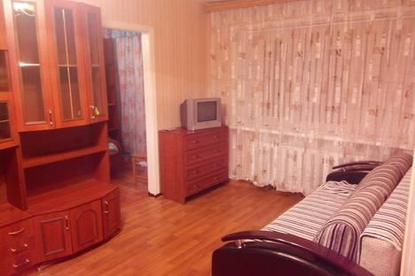 Сдается 2-комнатная квартира посуточно в Кстове, ул. Зеленая, 1.