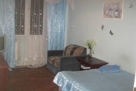 Сдается 1-комнатная квартира посуточно в Челябинске, ул. Курчатова, 25.