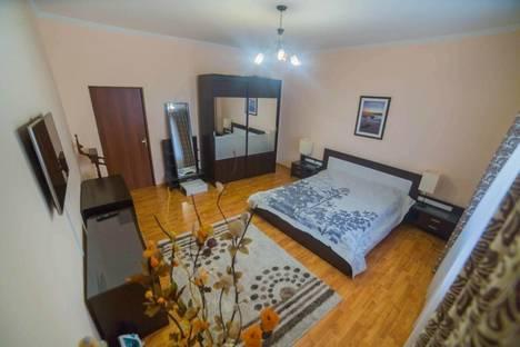 Сдается 2-комнатная квартира посуточно в Астане, Кунаева 12.