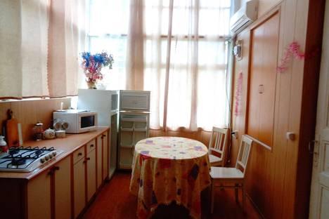 Сдается 2-комнатная квартира посуточно, Дражинского 44.