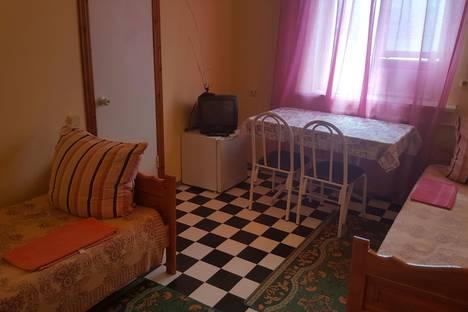 Сдается комната посуточнов Витязеве, ул. Трудящихся, 80а.