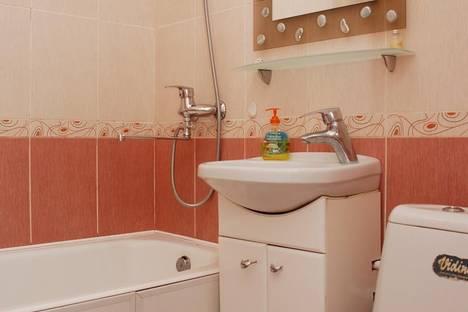 Сдается 2-комнатная квартира посуточно в Киеве, бульвар Марии Приймаченко 7.