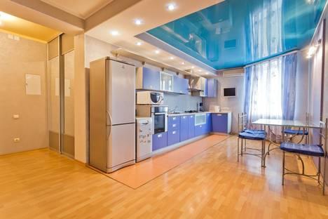 Сдается 3-комнатная квартира посуточно в Нижнем Новгороде, Ул. Горького Максима, д.50.