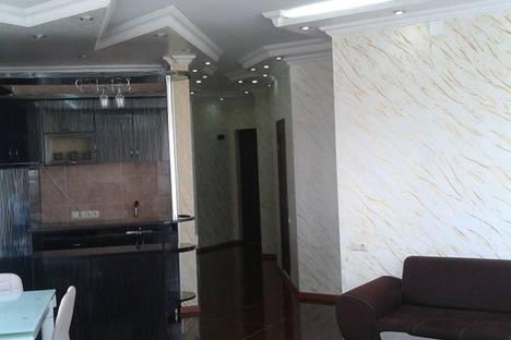 Сдается 3-комнатная квартира посуточно, Горгиладзе 114.