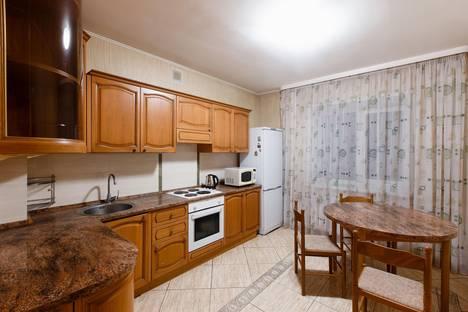 Сдается 2-комнатная квартира посуточно в Томске, Комсомольский проспект, 46.